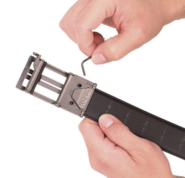 gun belt buckle attaching